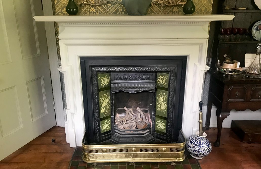 How to restore a Victorian fireplace