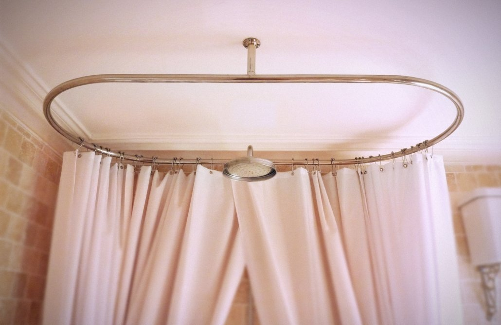 Choosing A Victorian Shower Curtain Rail
