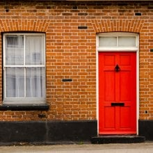 How to choose the right paint to create the perfect Victorian front door
