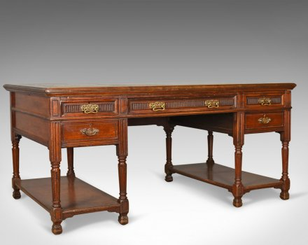 How to identify Victorian furniture