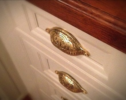 Traditional Kitchen Cupboard Handles