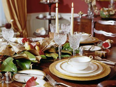Christmas-themed Period dining room