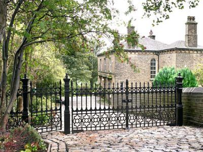 Dumfries driveway gate with pedestrian gate