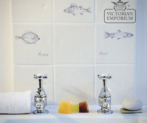 Tiles-hand painted-crackle-glaze-traditional-classic-victorian-kitchen-splash back-bathroom-13x13-fish-insitu