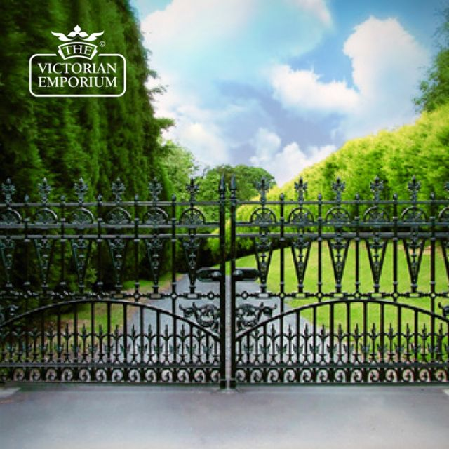 Winchester Driveway Gates - 12ft pair