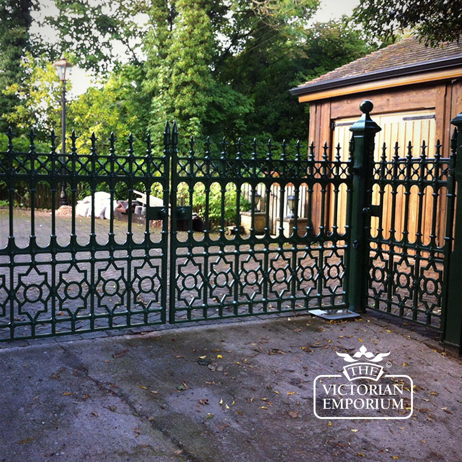 Dumfries driveway gates ft pair