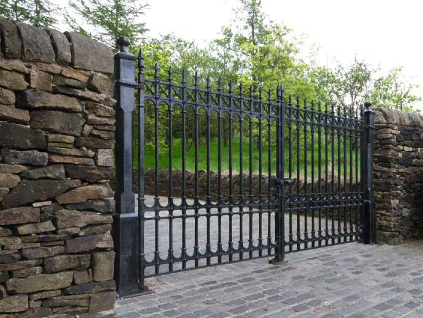 Colchester driveway gates ft pair height