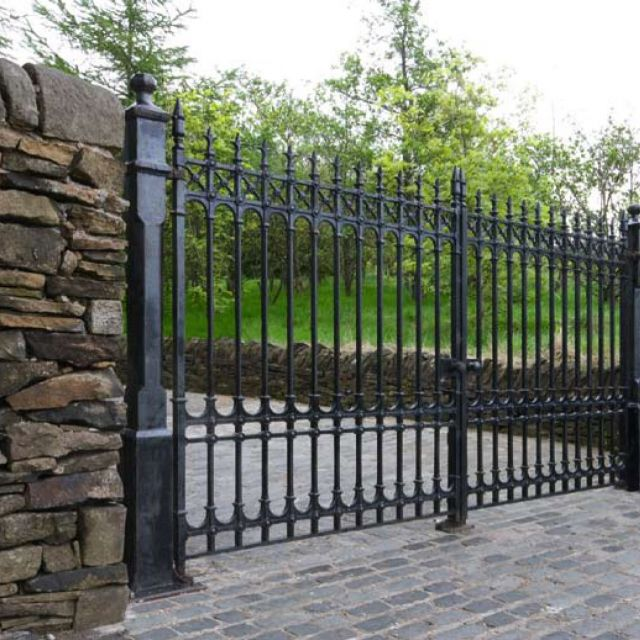 Colchester Driveway Gates - 12ft pair 7ft height