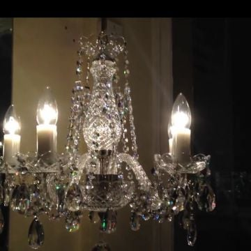 Pretty 5 arm chandelier