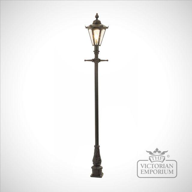 Lamp post 2160mm high and hexagonal steel lantern