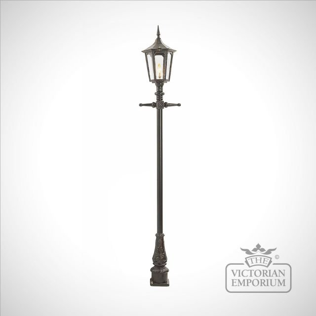 Lamp post 2640mm high and medium hexagonal cast alloy lantern