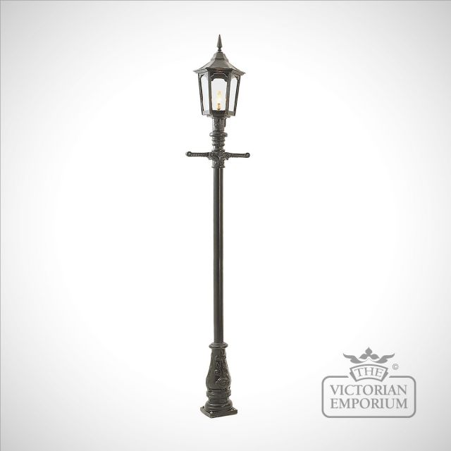 Lamp post 2870mm high and large hexagonal cast alloy lantern