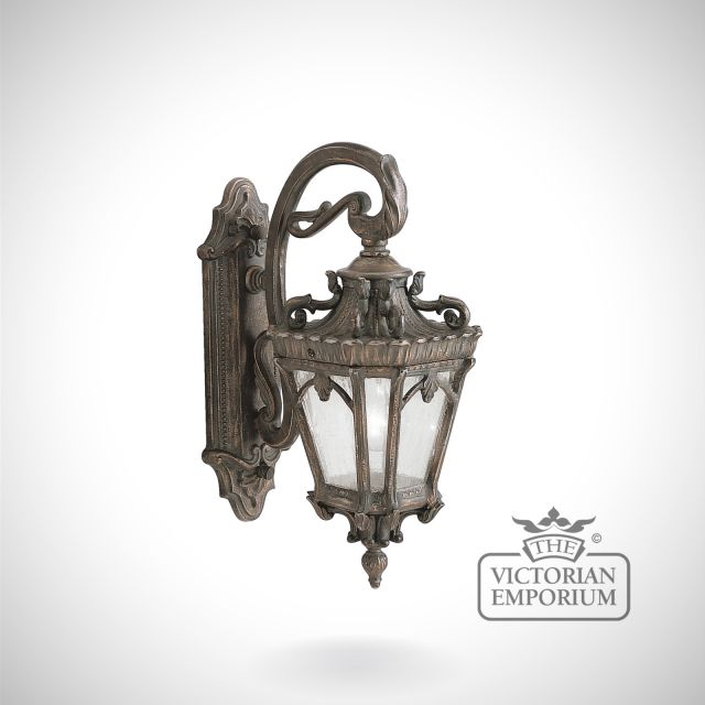 Tournai medium wall lantern