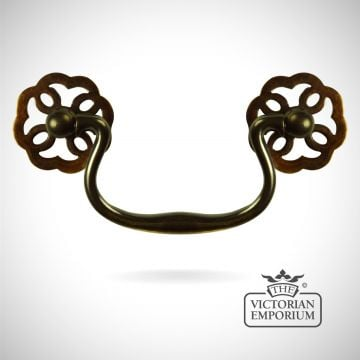 Brass classic swan-neck cabinet handle with fretted rosettes