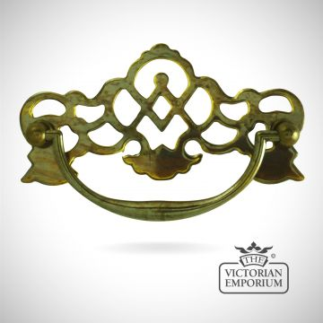Plate handle with cut out pattern