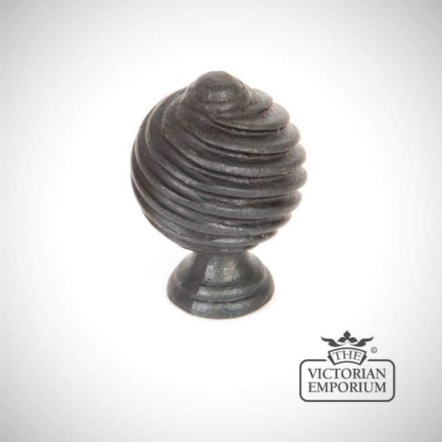 Beeswax twist knob