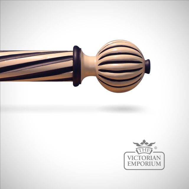 Hand decorated fluted ball finial with highlights