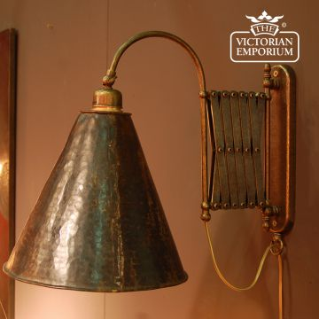 Extendable brass wall light