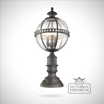 Hallaron pedestal lantern