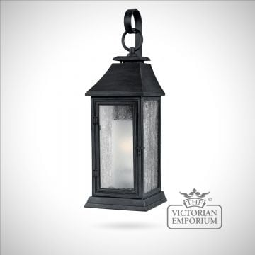 Shephard Medium Wall lantern