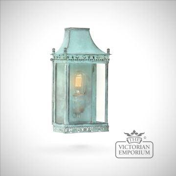 Regents brass wall lantern - vert