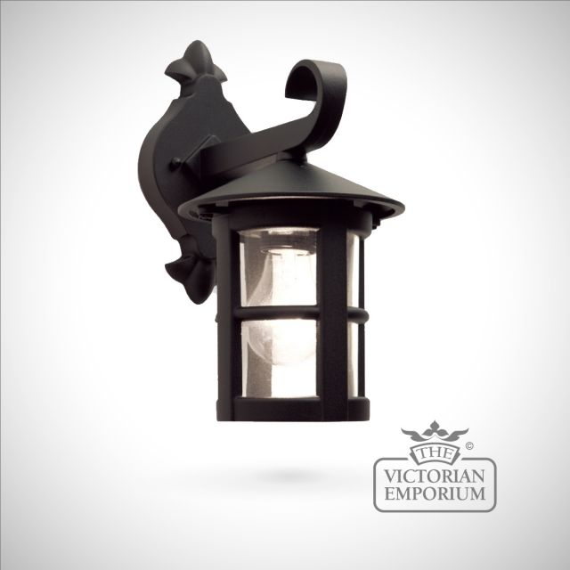 Hereford plain small wall lantern