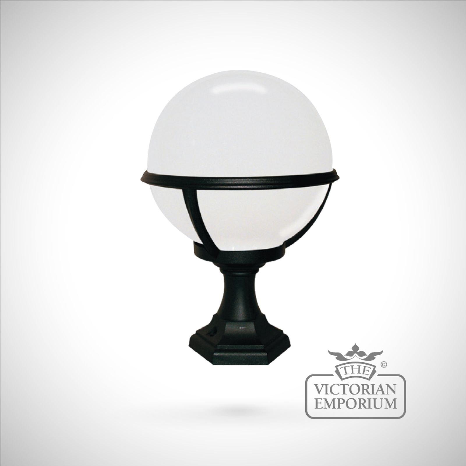 Cheltenham Cast Pedestal Lantern Light Black: Globe Pedestal/porch Lantern