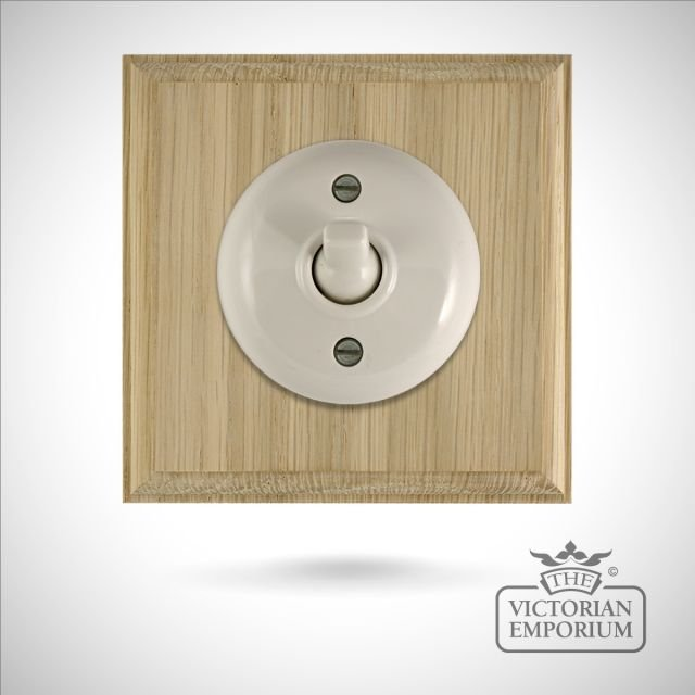 1 gang Bakelite light switch - square, plain in brown or white