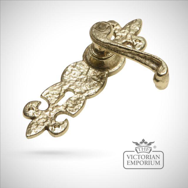 Cast brass decorative handle
