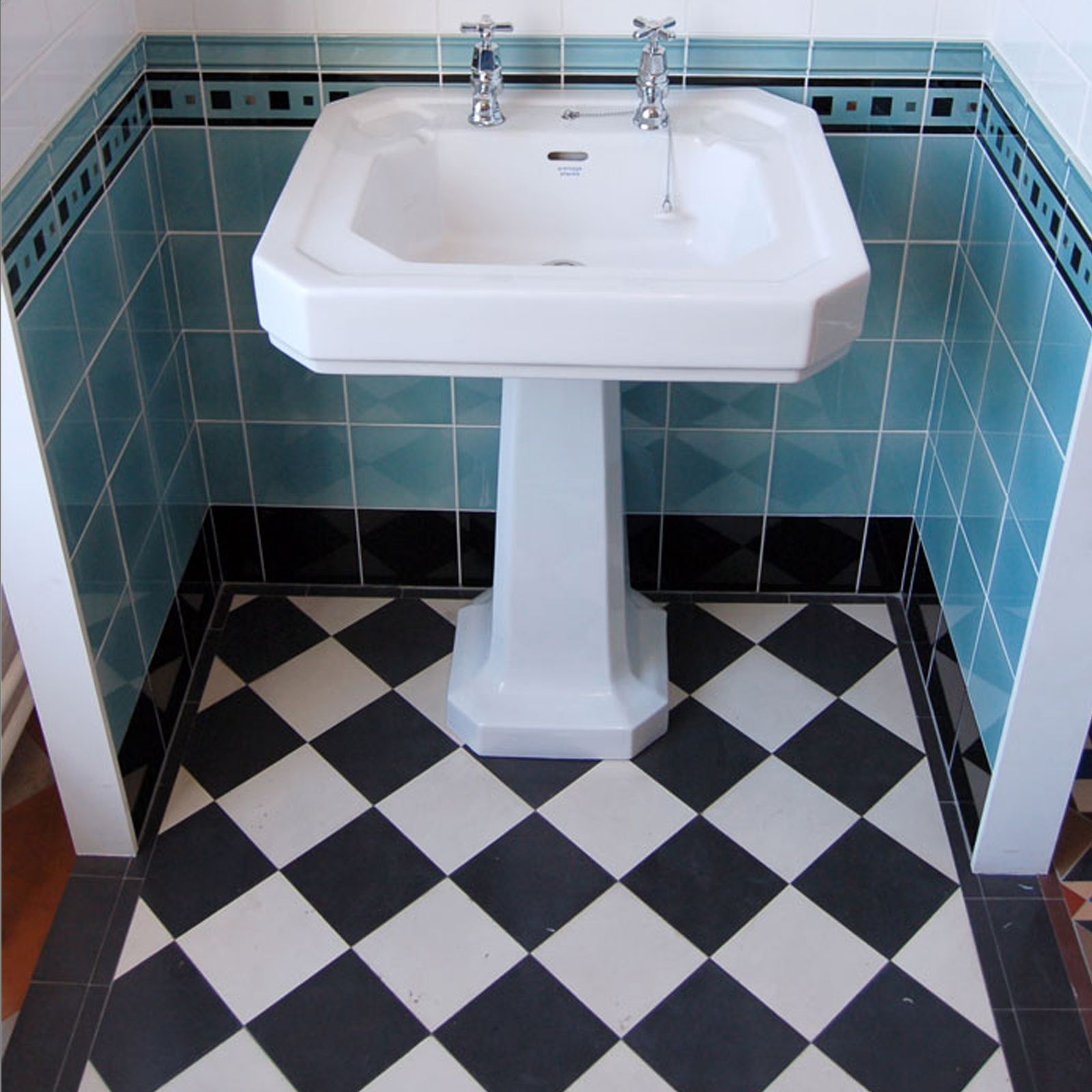 Coal Ford Mosaic Floor Tiles Inset Centre