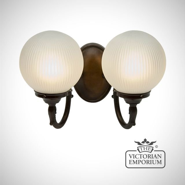 Double globe wall light with reeded glass