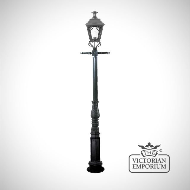 William cast iron lamp post with medium lantern in either black or distressed brass