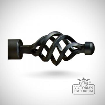 Wrought iron shell finial