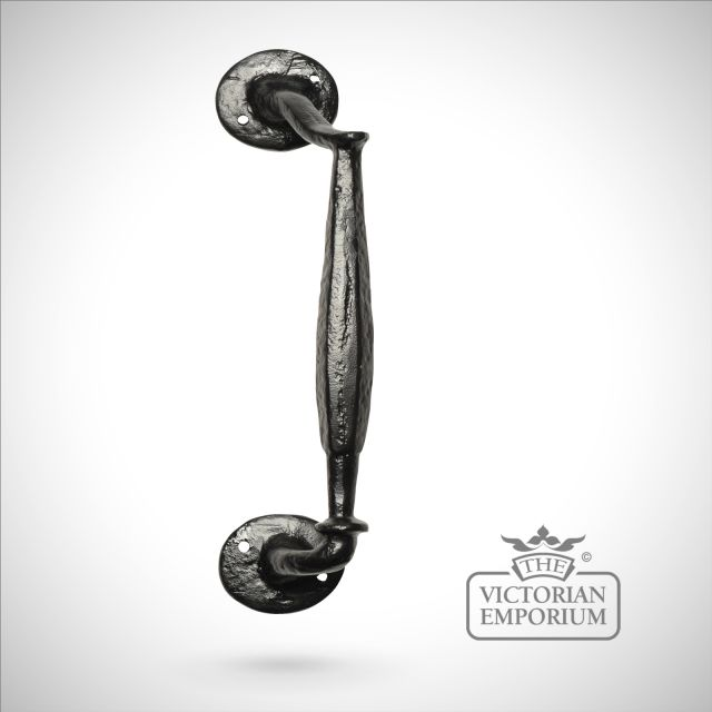 Black iron handcrafted pull door handle - Style 3