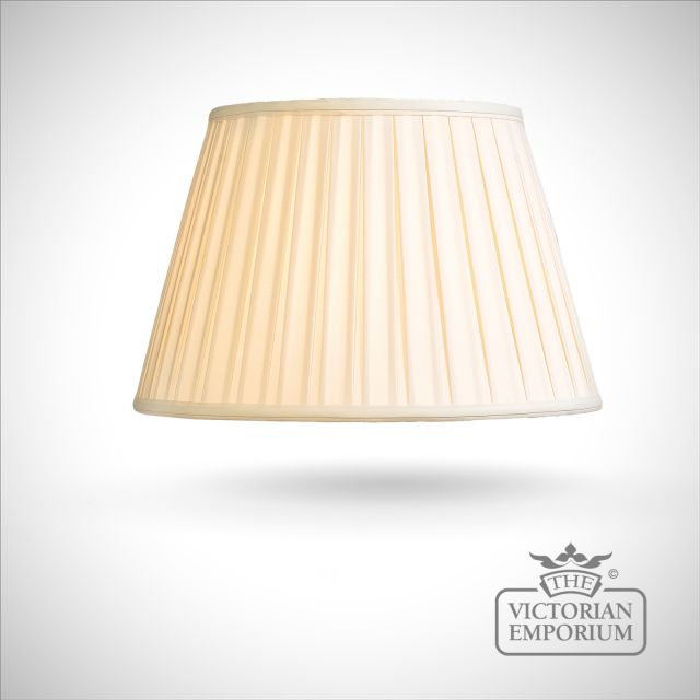 Cotton Box Pleat Lamp Shade in Oyster