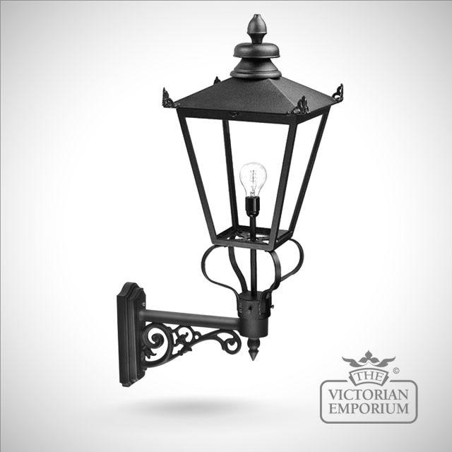 Wilmslow wall lantern