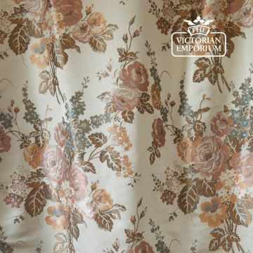 Waterperry Fabric in Ivory