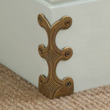 Solid brass skirting board corner protectors (Skiffers)