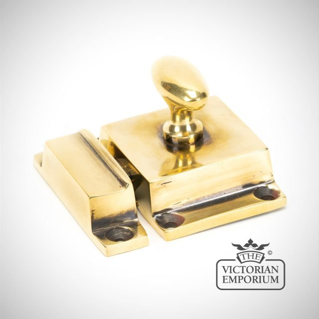 Cabinet Latch in Aged Brass