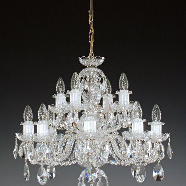 Stunning medium chandelier (kath 8+4)