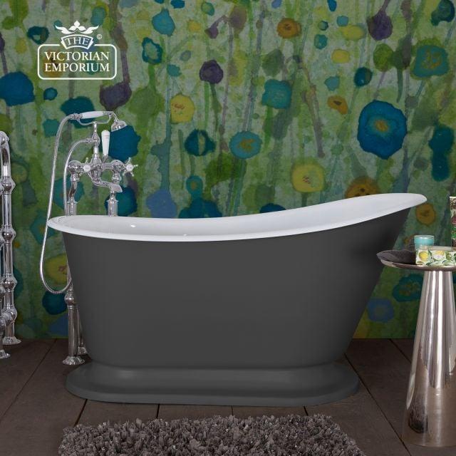 Cameo painted bath