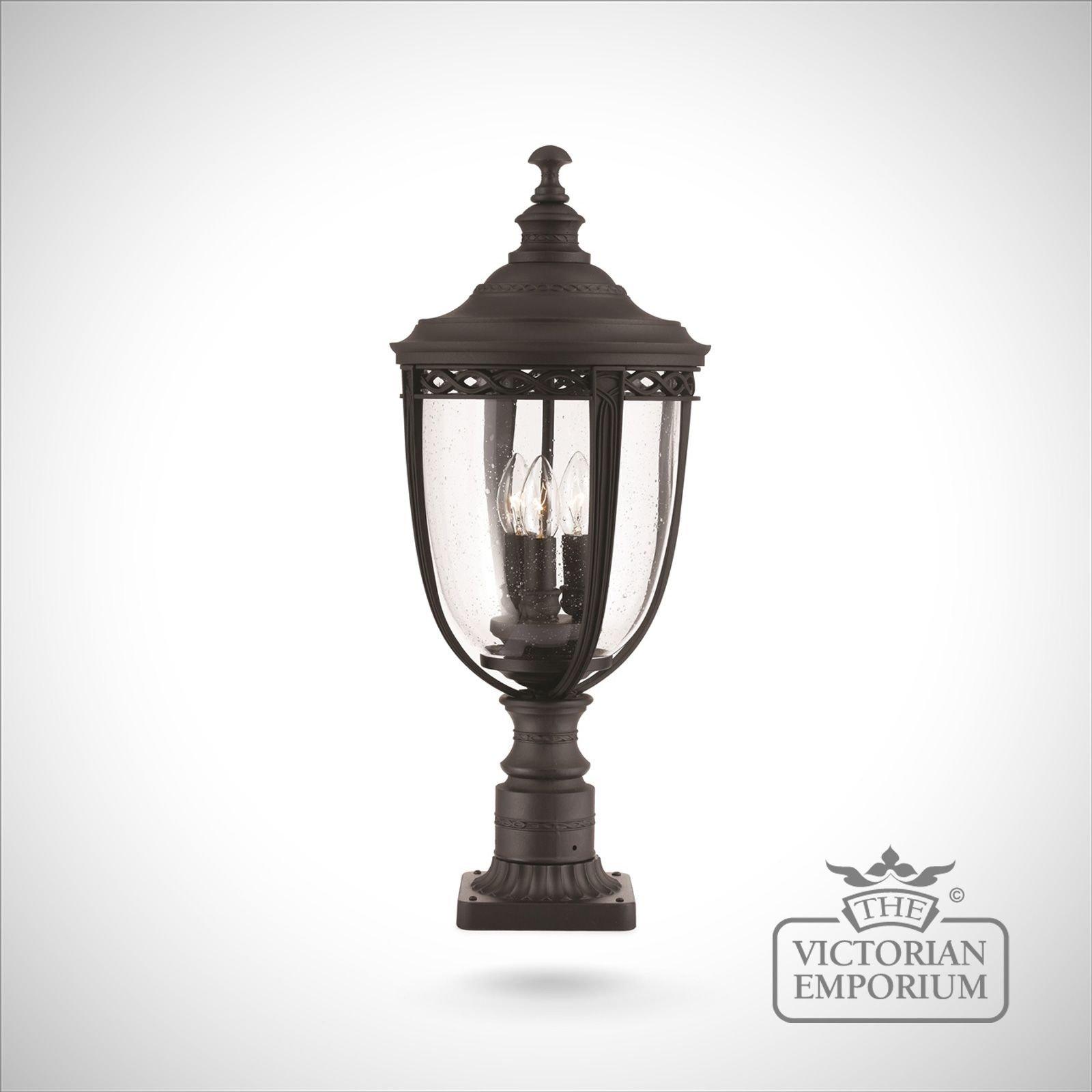 Bedfords Medium Pedestal Lantern In Black: Bridle Medium Pedestal Lamp In Black
