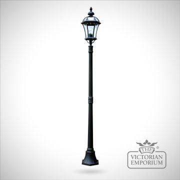 Ledbury lamp post