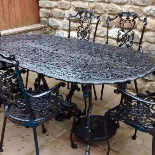 Victorian Cast outdoor oval table 6ft