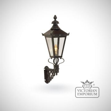 Medium square meridien wall lantern with cast bracket
